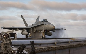 Картинка бомбардировщик, взлет, Hornet, палубный истребитель, FA-18C