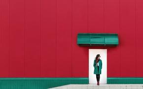 Обои стена, девушка, дверь, Red and green