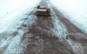 Картинка дорога, коробка, ноги