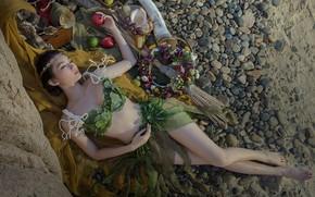 Обои песок, пляж, купальник, девушка, цветы, поза, галька, камни, настроение, отдых, ноги, яблоки, тело, бокал, сон, ...