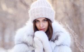 Картинка зима, взгляд, девушка, лицо, портрет, шуба, шапочка, варежки, рукавички, Алина, Dmitry Arhar