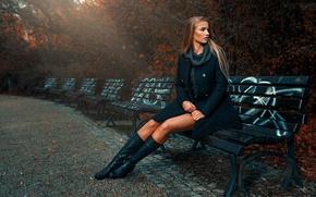 Обои Asia Piorkowska, осень, девушка, парк, скамейки, стиль