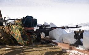 Картинка зима, оружие, человек, цель, снайпер, свд, винтовка, мешки