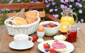 Картинка цветы, ягоды, фон, корзина, яйцо, кофе, размытие, завтрак, черника, клубника, сок, тарелка, хлеб, варенье, булочки