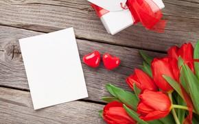 Картинка любовь, цветы, букет, сердечки, тюльпаны, red, love, wood, flowers, romantic, hearts, tulips, Valentine's Day, gift