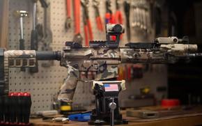 Картинка американская, AR-15, тиски, полуавтоматическая винтовка