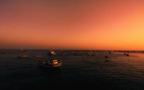 Картинка море, закат, лодки