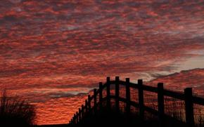 Картинка небо, облака, забор