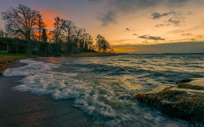 Картинка море, волны, деревья, закат, побережье, дома, вечер, прибой, Швеция