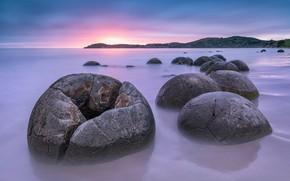Картинка море, пейзаж, закат, камни, Новая Зеландия, зарево, Южный остров, валуны Моераки