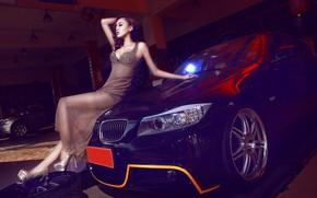 Картинка взгляд, Девушки, BMW, азиатка, красивая девушка, черный авто, на капоте