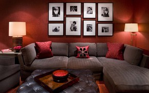 Обои комната, диван, подушка, лампа, фотографии