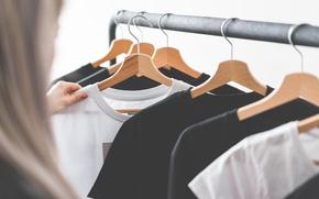 Картинка одежда, футболки, вешалки