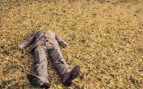 Картинка осень, листья, листва, мужик, сапоги, костюм, лежит, листья деревьев