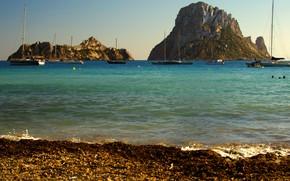 Картинка море, солнце, скалы, берег, яхты, Испания, Ibiza