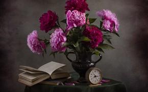 Картинка стол, книги, букет, натюрморт, винтаж, скатерть, пионы, чтение, букет пионов, светлана андреянова, аромат пионов