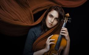 Обои чёрный фон, Shima Yadollahi, шаль, скрипка, девушка, настроение, взгляд