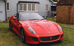 Обои 599, ferrari, red, yard, gto