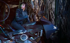 Обои Scarlett Johansson, cinema, Honda, mecha, movie, film, motorbike, Ghost In The Shell, Major
