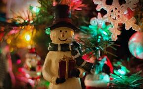 Картинка праздник, игрушка, елка, новый год, снеговик