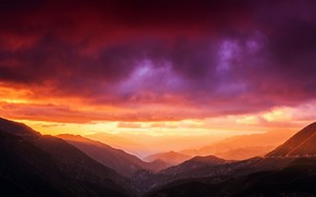 Картинка Clouds, Sunset, Mountains, Colors, Backgraund, Beams