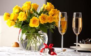 Картинка подарок, розы, желтые, бокалы, ваза, шампанское, yellow, декор, vase, roses, table