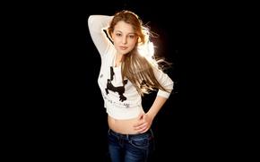 Картинка взгляд, модель, джинсы, кофточка, милашка, тёмный фон, Nikia