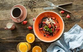 Картинка кофе, шоколад, завтрак, сливки, клубника, сок, wood, оладьи