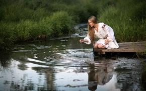 Картинка вода, отражение, ручей, ножки, rimsky