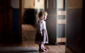 Картинка дом, дверь, девочка