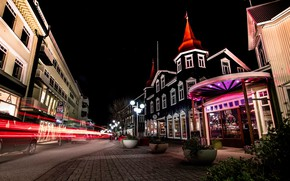 Картинка дорога, небо, ночь, огни, улица, дома, звёзды, выдержка, фонари, Исландия, Akureyri