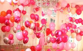 Картинка интерьер, актриса, люстра, воздушные шарики, Emma Stone, Эмма Стоун