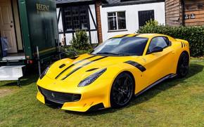 Обои Ferrari, F12, yard, TDF