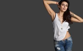 Картинка girl, hot, sexy, eyes, smile, beautiful, figure, model, pretty, beauty, lips, face, hair, brunette, pose, ...