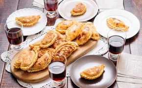 Картинка тарелки, напиток, пирожки, эмпланадас
