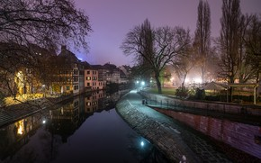 Обои фонари, Страсбург, канал, вечер, огни, деревья, дома, Франция, небо
