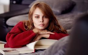 Картинка Anastasiya Scheglova reads a book, свитер, губки, ng DesignPictures, Deutschland, Anastasiya Scheglova