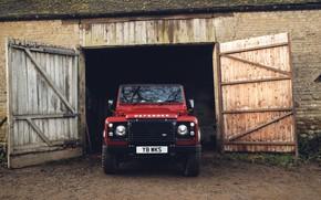 Картинка крыша, красный, земля, мох, ворота, внедорожник, Land Rover, 2018, Defender, V8, выезд, Defender Works V8, …