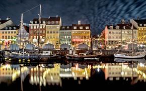 Обои город, дома, ночь, корабли, канал, Нидерланды, лодки