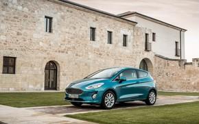 Обои Fiesta, Ford, Titanium, газон, авто, здание