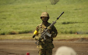 Картинка Japan, gun, soldier, weapon, man, army, asian, rifle, japanese, helmet, oriental, asiatic, uniform, Type 89, …
