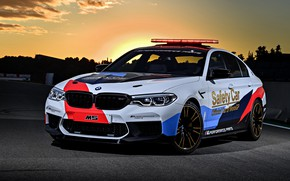 Обои закат, MotoGP, 2018, BMW M5, Safety Car, мигалки