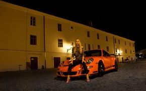 Картинка взгляд, девушка, Девушки, Porsche, прическа, оранжевый авто