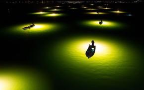 Картинка вода, свет, ночь, город, огни, рыбаки