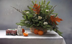 Картинка елка, новый год, рождество, мишка, натюрморт, белый медведь, фигурка, мандарины, можжевельник