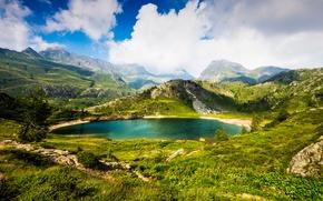 Картинка зелень, трава, облака, горы, озеро, камни, скалы, Альпы, Италия, солнечно, Bergamo