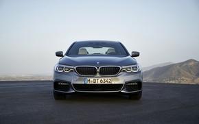 Картинка небо, горы, серый, BMW, седан, вид спереди, площадка, 540i, 5er, M Sport, четырёхдверный, 2017, 5-series, …