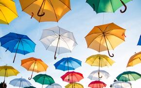 Обои много, Colorful Umbrellas, разноцветные, солнце, небо, зонты