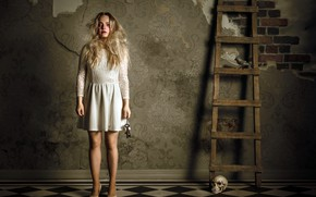 Картинка девушка, череп, лестница