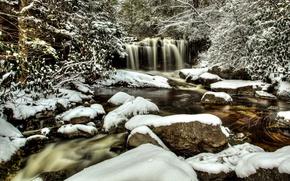 Картинка зима, лес, снег, деревья, река, камни, водопад, West Virginia, Западная Виргиния, Blackwater Falls State Park, …